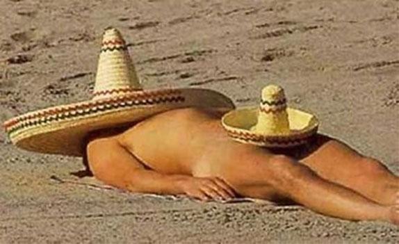 En el mercado mundial ya se están ofreciendo prendas (¿sombreros?... camisetas, pantalones o chaquetas) diseñadas a base de tejidos herméticos y acabados químicos para bloquear totalmente el sol.