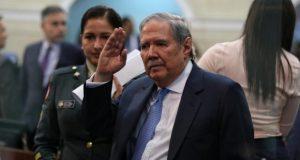 ¡Adios ministro!. (Foto: archivo El Colombiano)..